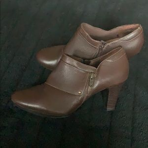 Clarks Bendables Ankle Booties